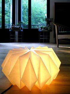 20 Ideas for origami lamp diy deco Origami Diy, Origami Lampshade, Paper Lampshade, Origami And Kirigami, Origami Paper, Lampshades, Diy Paper, Origami Design, Origami Lights