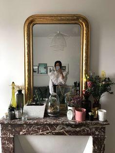 decoration of my Parisian apartment antique mirror fireplace The studio of Paris lifestyle fas. Parisian Bedroom, Parisian Apartment, Living Room Colors, Living Room Designs, Living Room Decor, Fireplace Mirror, Diy Fireplace, Wall Mirror, Home Interior Design
