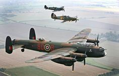 Avro Lancaster, Hawker Hurricane and Supermarine Spitfire of The Battle of Britain Memorial Flight. Navy Aircraft, Ww2 Aircraft, Military Jets, Military Aircraft, Lancaster Bomber, Military Flights, Supermarine Spitfire, Ww2 Planes, Vintage Airplanes