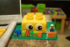 Love this - can use the duplo alphabet blocks to spell out what you want!  #LegoDuploParty  lego duplo birthday cake by joannemarkov, via Flickr