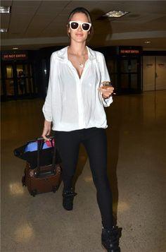 Alessandra Ambrosio con su 'look aeropuerto'