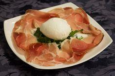 Mozzarella di bufala campana con prosciutto crudo di Parma
