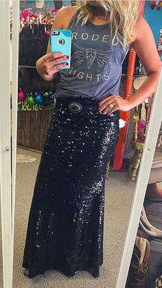 This sequin maxi skirt looks great for a night out. While I don't really agree with going with a rugged T-shirt or some rugged shoes to compliment it, the maxi skirt still looks great. Rodeo Outfits, Country Outfits, Western Outfits, Cute Outfits, Western Wear, Western Chic, Work Outfits, Country Girls, Country Style