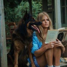 Estilo Ivy, Old Money, Northern Italy, Book Girl, Brigitte Bardot, Photo Dump, Summer Girls, Dream Life, Daydream