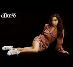Red Velvet Seulgi, Red Velvet Irene, Star Magazine, Body Poses, Sooyoung, Her Hair, Red Roses, Celebs, Fashion Design