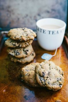 dark chocolate & earl grey tea cookies