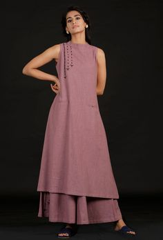 Indian Gowns Dresses, Indian Fashion Dresses, Muslim Fashion, Indian Outfits, Fashion Outfits, Indian Clothes, Printed Kurti Designs, New Kurti Designs, Kurti Designs Party Wear