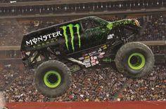 Monster Energy Stunts. The Combination Of Green And Black #AdvanceAutoPartsMonsterJam #RaymondJamesStadium #Tampa #AskaTicket