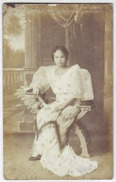 Philippines 1919 old RPPC Classy Young Manila Girl in Filipiniana Photo Postcard Philippines Outfit, Philippines Culture, Asian History, Women In History, Photo Postcards, Vintage Postcards, Vintage Cards, Filipino Fashion, Asian Fashion