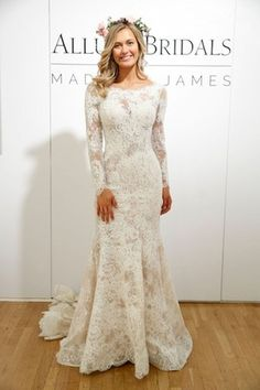 16 Favourite Fall Long Sleeve Wedding Dresses Ideas