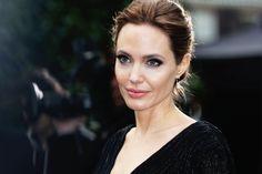 Angelina Jolie pesa