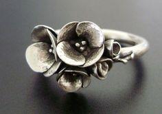 Poppy Silver Ring stylin