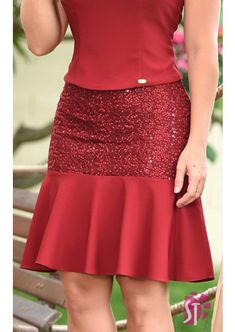 Womens Fashion - Women Skirts That Always Look Fantastic outfits fashion casualstyle look Elegant Outfit, Classy Dress, Classy Outfits, Chic Outfits, Fashion Outfits, Womens Fashion, Mode Glamour, Lace Dress Styles, Latest African Fashion Dresses