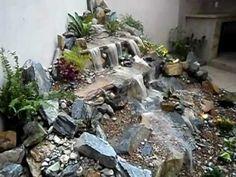 Cascadas de agua sin estanque