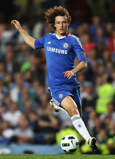 DAVID LUIZ. Chelsea FC. I love this guy. Such a clown. I hope he stays in England.