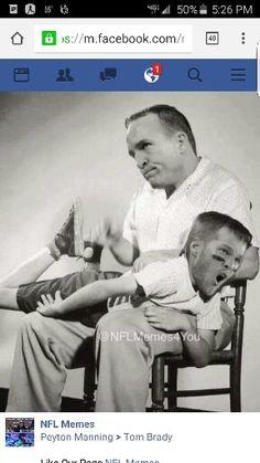 The Internet savages Tom Brady, Carson Palmer via memes Patriots Memes, Nfl Memes, Carson Palmer, Go Broncos, Denver Broncos, Peyton Manning, Fantasy Football, Football Art, Cowboys Football