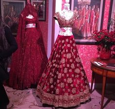 Sabyasachi lace lehenga in the back with intense work and embellishments and in front a velvet lehenga with full on zardosi. Indian Bridal Lehenga, Red Lehenga, Party Wear Lehenga, Indian Bridal Outfits, Indian Bridal Fashion, Indian Bridal Wear, Indian Fashion Dresses, Pakistani Gowns, Pakistani Bridal