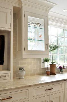 Best 100 white kitchen cabinets decor ideas for farmhouse style design (85)