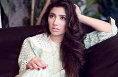 Mahira Khan on Indian visit to meet fans |