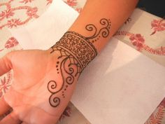 Cool Henna Tattoo Ideas for Wrist