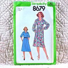 8679 SIMPLICITY Uncut PATTERN 1978 Women Front Button Dress Front Yoke Gathered Tie Belt Size 16 3-oz