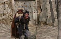Gücün İnsanı Hayvanlaştırması Üzerine Bir Film / İki Bacaklı At Bradley Mountain, Samurai, Backpacks, Film, Bags, Movie, Handbags, Film Stock, Backpack