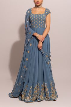 Designer Party Wear Dresses, Kurti Designs Party Wear, Indian Designer Outfits, Indian Outfits, Lehenga Designs Simple, Lengha Blouse Designs, Western Dresses For Girl, Stylish Dresses For Girls, Long Gown Dress