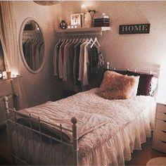 Efficient Dorm Room Organization Decor Ideas 59