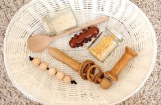 Montessori for babies - some materials also for DIY - Montessori - Baby Diy Montessori Toddler Rooms, Montessori Activities, Diy Toy Storage, Montessori Materials, Baby Rattle, Diy Toys, Toys For Girls, Kids And Parenting, Diy For Kids