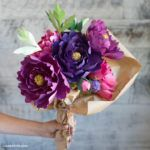 A comprehensive collection of all of our metallic paper flowers, crepe paper flowers and tissue paper flowers. Head over to our membership page to join our creative community and download our simple-to-make paper flower patterns. Enjoy!