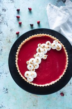 Cranberry Curd Tart with Toasted Meringue. A puckery, silky, vanilla and orange scented cranberry curd atop a crisp press-in shortbread crust. Tart Recipes, Best Dessert Recipes, Fun Desserts, Sweet Recipes, Holiday Recipes, Baking Recipes, Delicious Desserts, Holiday Desserts, Holiday Baking
