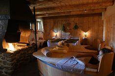 """Almdorf Seinerzeit on Instagram: """"NATUR, RUHE, KULINARIK, LUXUS, ZWEISAMKEIT ❤️ Faulenzertage 2 oder 3 Übernachtungen inkl. Frühstück direkt in die Hütte serviert 1 x…"""""""