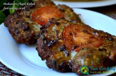 Chapli kebab are most famous kebabs of Pakistan. Traditionally made with lamb meat mix with lot of fat and different spices then fry in lot of oil. Seekh Kebab Recipes, Mince Recipes, Beef Recipes, Cooking Recipes, Spicy Chicken Recipes, Middle East Food, Middle Eastern Recipes, Easy Indian Recipes, Asian Recipes