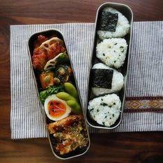 """朝ご飯、休日のお昼ご飯、運動会のお弁当…と、おにぎりは昔から私たちの食生活の中で当たり前のように存在している、みんなが大好きな""""日本のソウルフード""""です。 Bento Recipes, Cooking Recipes, Cute Food, Yummy Food, Onigirazu, Food Goals, Aesthetic Food, Food Cravings, Food Design"""