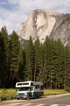 http://www.rvroadtripideas.com/ is a guide on how to prepare for and where to go on a RV road trip.