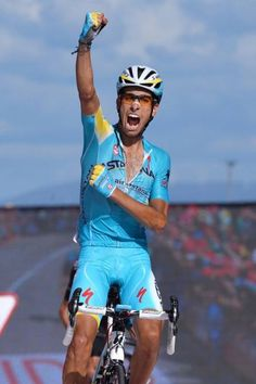 Vuelta a España 2014 - Stage 18: A Estrada - Monte Castrove en Meis 157km photos - Fabio Aru (Astana) delighted with victory