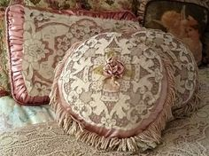 lace dusty rose cushions