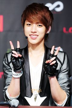 120515 Seoul Comeback Showcase [The Mission] - Sungyeol (Cr.as tagged) Dem ear piercings doe