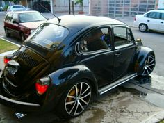 Gr potncia vw fusca little german black beauty a classic icon in automobiles Vw Beetles, Beetle Bug, Seat Toledo, Vw Vintage, Vw Cars, Buggy, Transporter, Custom Cars, Cars And Motorcycles