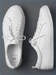 Types Of Sneakers For Men. Sneakers have been an element of the fashion world for more than you may realise. Modern day fashion sneakers have little resemblance to their early forerunners however their popularity is still undiminished. Leather Sneakers, Leather Men, Mens White Sneakers, White Shoes Men, White Leather Shoes, Moda Sneakers, Men's Shoes, Shoes Sneakers, Sneakers Design