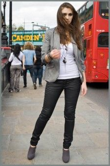 Camden Town, Mecca, Rockers, Britain, Jewelery, Leather Pants, Street Style, Woman, Link