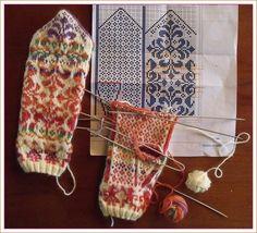 Fingerless Mittens, Knit Mittens, Knitted Gloves, Crochet Mittens Free Pattern, Fair Isle Knitting Patterns, Norwegian Knitting, Wrist Warmers, Knitting Accessories, Hand Knitting