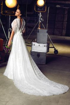 Oleg Cassini wedding dress...oooo...looks Edwardian!