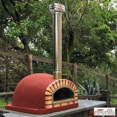 Using the right wood fired oven temperatures for cooking will allow you to create amazing dishes in your wood burning pizza ovens. Learn more at Patio & Pizza!