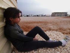 Kuvassa oleva Yasmine, 16, osallistui omien sanojensa mukaan Pelastakaa Lasten valokuvausprojektiin Za'atarin pakolaisleirillä Jordaniassa, koska projekti antaa merkitystä hänen elämäänsä.