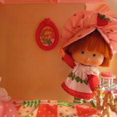 Apple Dumplin picture frame in Berry Happy Home dollhouse