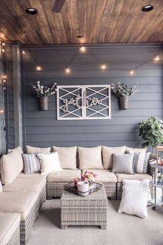 back patio decor Back Patio, Small Patio, Back Yard Ideas For Small Yards, Patio Set Up, Small Sunroom, Small Pergola, Modern Pergola, Cheap Pergola, Design Case