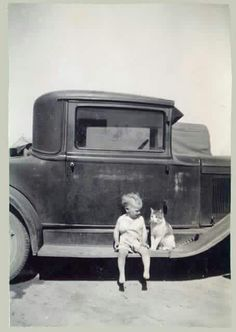 vintage little boy and cat photo Vintage Pictures, Old Pictures, Old Photos, I Love Cats, Crazy Cats, Cute Cats, Funny Cats, Animals For Kids, Cute Animals