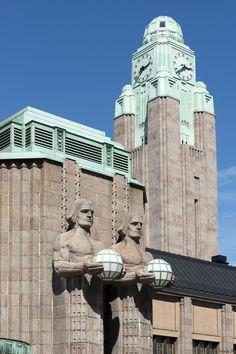 ~ Bahnhof in Helsinki ~ von Klaus H..