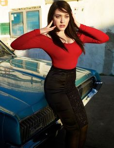 Kat Dennings makes the most of her full bust figure. #bestforbodytype #katdennings